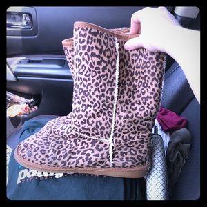 Shoes - Cheetah Snow Boots